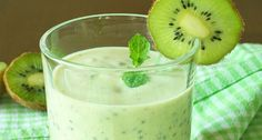 Avokádový kiwi koktejl schia