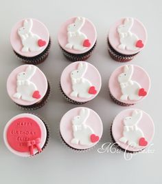 simple but cute Easter Bunny Cupcakes, Cute Easter Bunny, Easter Cookies, Easter Treats, Easter Food, Happy Easter, Custom Cupcakes, Fondant Cupcakes, Cupcake Cakes