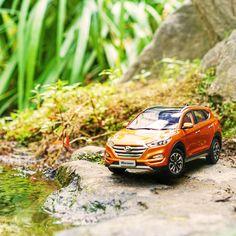 Just sit back and enjoy your day - 괜찮아요 잠시 쉬어가도 - #justsitbackandwatch #lovemyday #travelling #drive #Cheonggyecheon #car #carinstagram #diecast #TUCSON #Hyundai