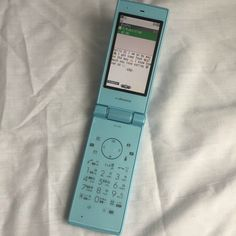 ImageFind images and videos on We Heart It - the app to get lost in what you love. New Retro Wave, Retro Phone, Vintage Phones, Flip Phones, Old Phone, Retro Aesthetic, Cool Gadgets, Aesthetic Pictures, Cool Things To Buy