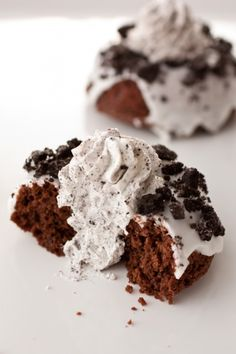 baked cookies and cream BAKED doughnuts ( Crispy Cream knock off recipe)- Looks pretty involved - but recipe really looks easy!