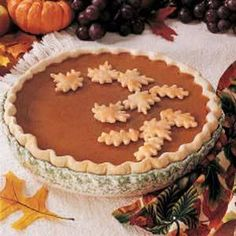Love  the  pumpkin pie.....yummmmmmmmm