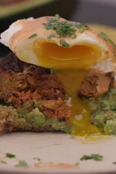 Give your morning an extra kick with this spicy eggs Benedict! Creamy avocado, hot chorizo and a peppery hollandaise stack on top of Dave's Killer Bread Rockin' Grains English Muffins for the perfect breakfast. #ad I Love Food, Good Food, Yummy Food, Brunch Recipes, Breakfast Recipes, Cooking Recipes, Healthy Recipes, Simply Recipes, Perfect Breakfast