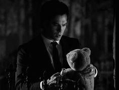 The Vampire Diaries #DamonSalvatore How cute!