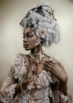 Taken from facebook page Chocolate Lolita. Another Marie Antoinette inspiration.