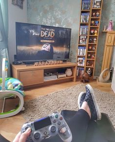 34 Fun Video Game Rooms For The Beginners Fun Video Games, Video Game Rooms, Pc Games, Gaming Room Setup, Pc Setup, Living Style, Game Room Design, Cute Room Decor, Gamer Room