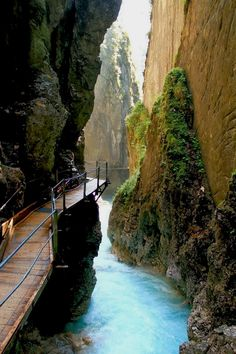 Thermal Waterfall Spa, Mittenwald, Germany #germany #europe 1.5 hours SW of Munich.  Germany  Accéder au site pour information   http://storelatina.com/germany/travelling  #viagemgermany #viagem