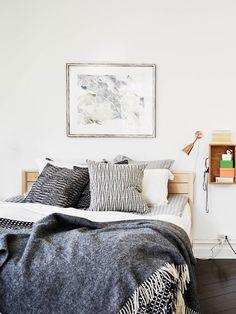 love the black and white bedding :: noteworthy :: Gothenburg