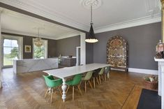 Last year Ilse Crawford sold her London apartment and we all remembered how much we loved it. (...
