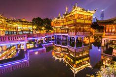 The Yuyuan Garden District at Night, Shanghai - Photo by Adam Allegro
