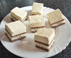 TraRita sütödéje és egyéb munkái : Kókuszos krémes Easy Desserts, Dessert Recipes, Hungarian Recipes, Pastry Cake, Ice Cream Recipes, Aesthetic Food, Cakes And More, Cake Cookies, Chocolate Recipes