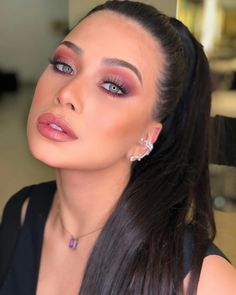 Be a Professional Makeup Artist – Best internet course with top techniques. - Make A Gift Glam Makeup, Makeup Inspo, Eyeshadow Makeup, Bridal Makeup, Makeup Inspiration, Hair Makeup, Barbie Makeup, Nyx Lipstick, Beauty Make-up