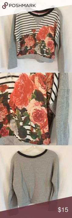 Baroque Floral Striped Raglan Sweatshirt Top Excellent condition. Worn 1x. Gorgeous floral print on chiffon front panel. 🚫 Trades or PP ✅ Reasonable offers and custom bundles accepted Xhilaration Tops Sweatshirts & Hoodies