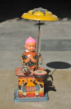 Vintage-Wind-Up-Litho-Celluloid-Face-Drummer-Boy-Tin-Toy-Japan