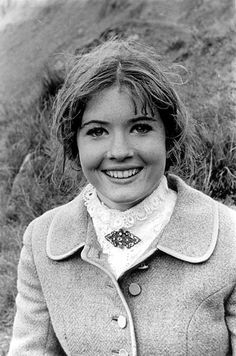 Deborah Watling as Victoria Waterfield in Doctor Who British Actresses, Actors & Actresses, Doctor Who Season 5, Doctor Who Cosplay, Doctor Who Companions, William Hartnell, Classic Doctor Who, Who Do You Love, First Doctor