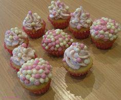Me and my delicious me: Vanilkové cupcakes s jahodovým krémem