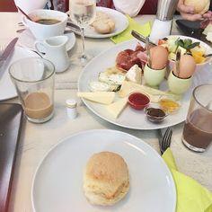 FRÜHSTÜCKEN IN LEIPZIG: Leipzig sprüht nur so vor kleinen, süßen, versteckten Cafés, die absolute Geheimtipps hinsichtlich Kuchen und Frühstück sind. Also los, macht euch auf die Suche und lasst euch verzaubern!