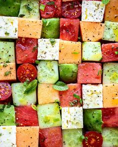 This cool, refreshing salad is the perfect thing to take the edge off of the summer heat. Marinated in a bright vinaigrette, ithe feta and the watermelon provode a great contrast between salty and sweet. Easy Salads To Make, Honey Dressing, Dressing Recipe, Watermelon And Feta, Vegetarian Recipes, Healthy Recipes, Mozzarella, Vinaigrette, Cucumber Salad