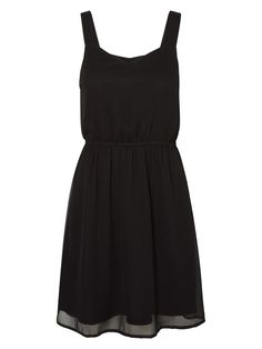 Feminine and simple black dress from VERO MODA.
