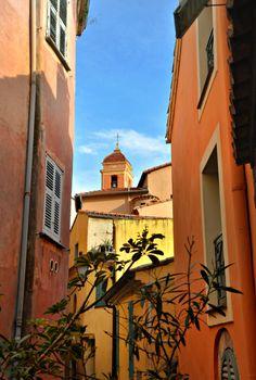 Roquebrune-Cap-Martin,     en région Provence-Alpes-Côte d'Azur