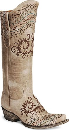 The Zarape Old Gringo cowgirl boots are detailed in vintage beauty!