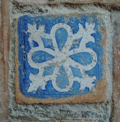 Tile at Alhambra, Spain Antique Tiles, Vintage Tile, Tile Art, Mosaic Tiles, Granada, Alhambra Spain, Medieval Furniture, Encaustic Tile, Tiles Texture