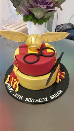 Check it out Potter Heads! Harry Potter Torte, Harry Potter Desserts, Harry Potter Bday, Harry Potter Birthday Cake, Harry Potter Food, Harry Potter Style, Cupcakes, Cupcake Cakes, Bithday Cake