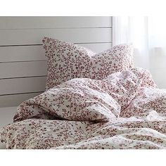 "100% Cotton French Country Style Duvet Cover Set Full/queen Red Floral Patterns on White Background ""Duvet Cover and 2 Pillowcases Included""...39.99"