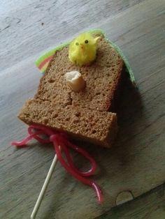 Vogelhuisje van ontbijtkoek