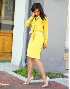 Selecting a perfectly Casual Work Outfits For Black Women to wear and how to look like one of those catalogue models is something we all look forward to. Casual Work Outfits, Professional Outfits, Work Casual, Classy Outfits, Chic Outfits, Summer Outfits, Smart Casual, Look Formal, Corporate Attire