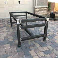 hrowback to the 1000 lb + table build in top, adjustable feet and jacks to raise around and move with the push of a finger. Welding Bench, Welding Table Diy, Welding Cart, Welding Tools, Welded Furniture, Plumbing Pipe Furniture, Steel Furniture, Industrial Furniture, Steel Workbench
