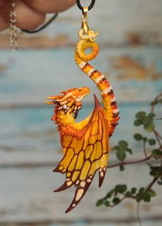 Wonderful Pic Clay sculpture Thoughts Wonderful Pictures Sculpture Clay dragon Ideas There are various kinds of clay-based employed for Dragon Jewelry, Dragon Necklace, Polymer Clay Sculptures, Sculpture Clay, Photo Sculpture, Ceramic Sculptures, Mythical Creatures Art, Fantasy Creatures, Fantasy Jewelry