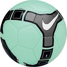 This is a nice, green water football ball of brand Nike. This is the balloon model omni. Has a white dove and some black figures. It has a price of two hundred and seventy pesos