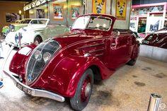 #Peugeot #302 #Cabriolet au Musée de l'Aventure #Peugeot  Reportage complet : http://newsdanciennes.com/2015/08/19/on-a-teste-pour-vous-le-musee-de-laventure-peugeot/ #classiccar #voiture #ancienne #vintage
