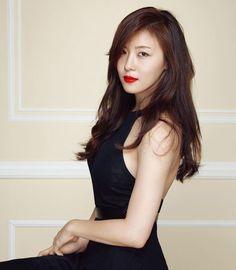 Ha Ji-won Says Working with John Woo a 'Dream Come True' Korean Actresses, Asian Actors, Beautiful Asian Women, Beautiful Celebrities, Korean Beauty, Asian Beauty, Han Ji Won, Korean Celebrities, Celebs