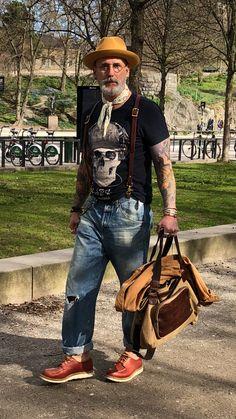 : mens fashion hipster, 2019 mens fashion:cat, old man fa Hipster Outfits, Hipster Fashion, Urban Fashion, Grunge Goth, Hipster Grunge, Old Man Fashion, Denim Fashion, Fashion Boots, Street Style Vintage