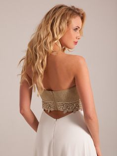 Lovely white wedding dress with gold top. Vestido de casamento com top em ouro White Wedding Dresses, Formal Dresses, Gold Top, Cocktails, Marie, Fashion, Vestidos, Bride Groom Dress, Engagement