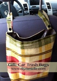 How To Buy Designer Bags With Confidence – Best Fashion Advice of All Time Car Trash, Trash Bag, Br Car, Textiles, Diy Christmas Gifts, Diy Tutorial, Sewing Projects, Sewing Crafts, Purses And Bags
