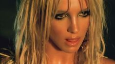 """Britney Spears Abs: Get Her """"I'm A Slave For You"""" Abs Routine - Britney Spears Abs Here is Bobby Strom talking about the abs/core circuit made famous for shaping B - Mtv, Britney Spears Wallpaper, Britney Spears Outfits, Pop Workouts, Workout Tips, Ab Routine, Pink Workout, Celebrity Workout, Barista"""
