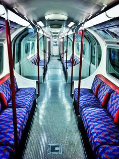A rare occasion - empty London Underground Tube train London Transport, London Travel, Public Transport, Harrods, U Bahn Station, Level Design, Tube Train, Mrs Hudson, London Calling