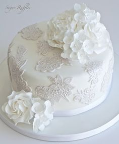 Sugar Ruffles, Elegant Wedding Cakes. Barrow in Furness and the Lake District, Cumbria: August 2015