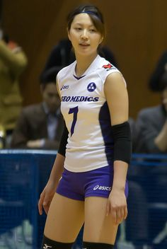 Women Volleyball, Beach Volleyball, Asian Woman, Asian Girl, Beautiful Athletes, Beautiful Japanese Girl, Volleyball Pictures, Sporty Girls, Athletic Women