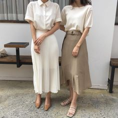 White, cream, and khaki | Love these vintage inspired looks | Elegant, feminine, monochrome, and minimalist fashion