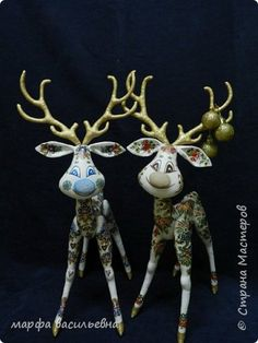 Crafts product New Year Sewing Decoupage Christmas deer paint cloth napkins Photo 11 Christmas Deer, Christmas Ornaments, Reno, Cloth Napkins, Decoupage, Easter, Sewing, Holiday Decor, Crafts
