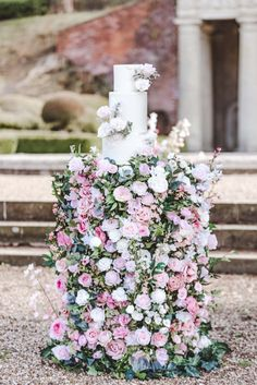 Under The Floral Spell Wedding Décor Inspiration at Wotton House, Surrey Simple Weddings, Real Weddings, Tall Gold Vases, Wotton House, Creative Wedding Inspiration, Creative Wedding Cakes, Wedding Decorations, Wedding Ideas, Event Company