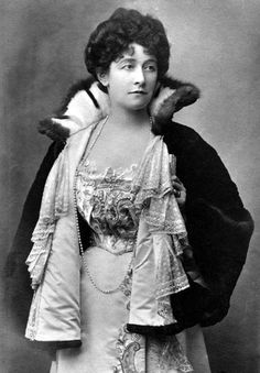 Mary Caroline (née Grey), Countess of Minto, 1900-1904 //  by William James Topley, published by J. Beagles & Co.
