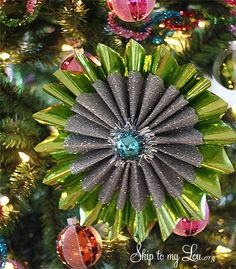 Amazing ornaments made from wrapping paper #homemadeornaments #christmasornaments #skiptomylou
