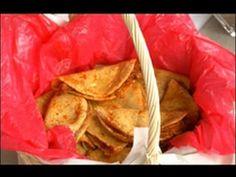 Tacos de Canasta - Receta bien explicada. de papa, frijol y chicharrón, además salsa verde. - YouTube