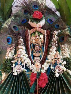 Lord Murugan Wallpapers, Pooja Room Design, Goddess Lakshmi, Hindu Deities, God Pictures, Krishna Images, Hindus, Amman, Indian Gods