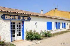 Creperie du Port :: Jau-Dignac-et-Loirac, Medoc, France Mouton Rothschild, Cafe Restaurant, Restaurants, Garage Doors, Shops, France, Outdoor Decor, Home Decor, Home